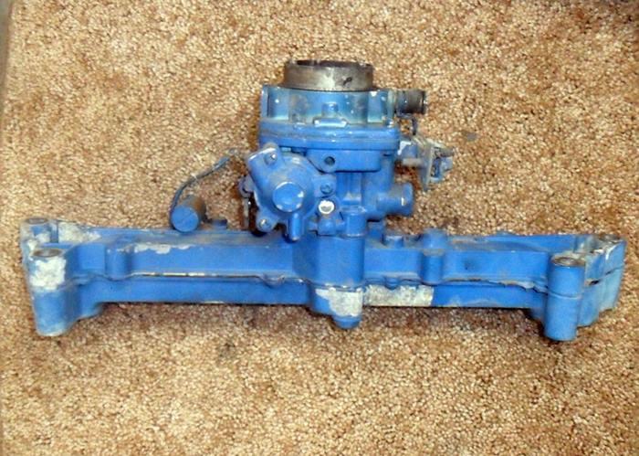 P224G Carburetor and Manifold 146-0662, 154-2873 Used